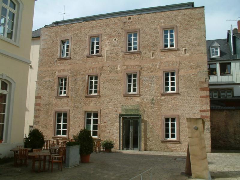 Palais Walderdorff